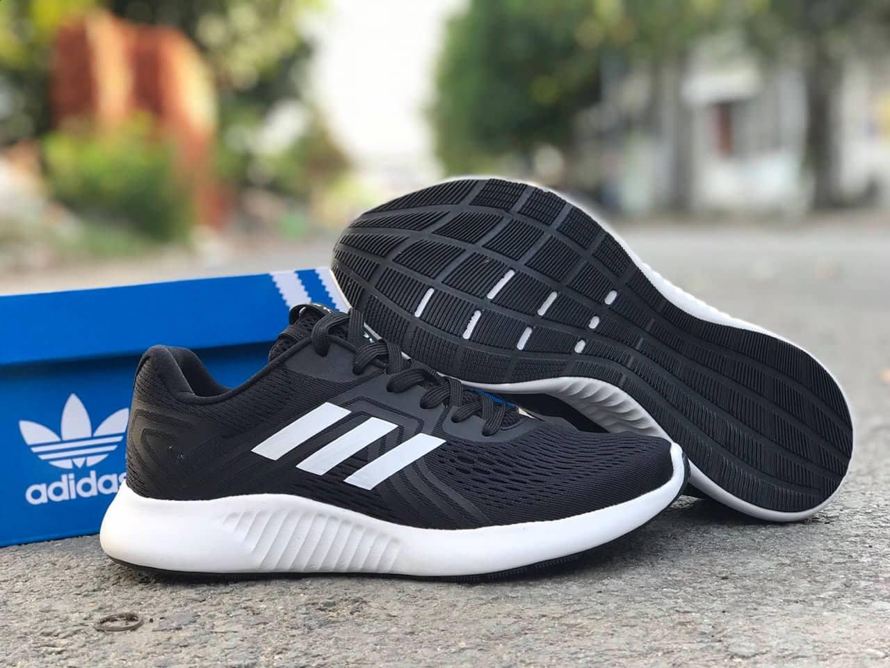 Adidas Aerobounce 3