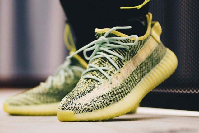 Giày Yeezy xanh lá cây bỗng dưng dễ mua, không hot như kỳ vọng