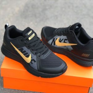 Nike Pegasus v7 – Black/Gold