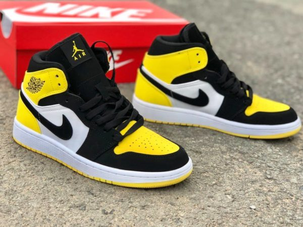 Nike Jordan 1 - Yellow