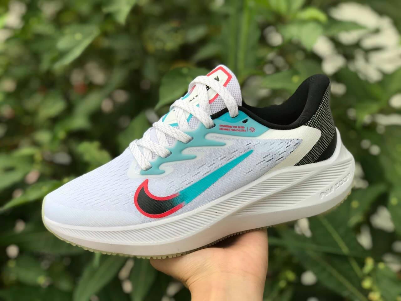 Nike Winflo V7 - Unisex
