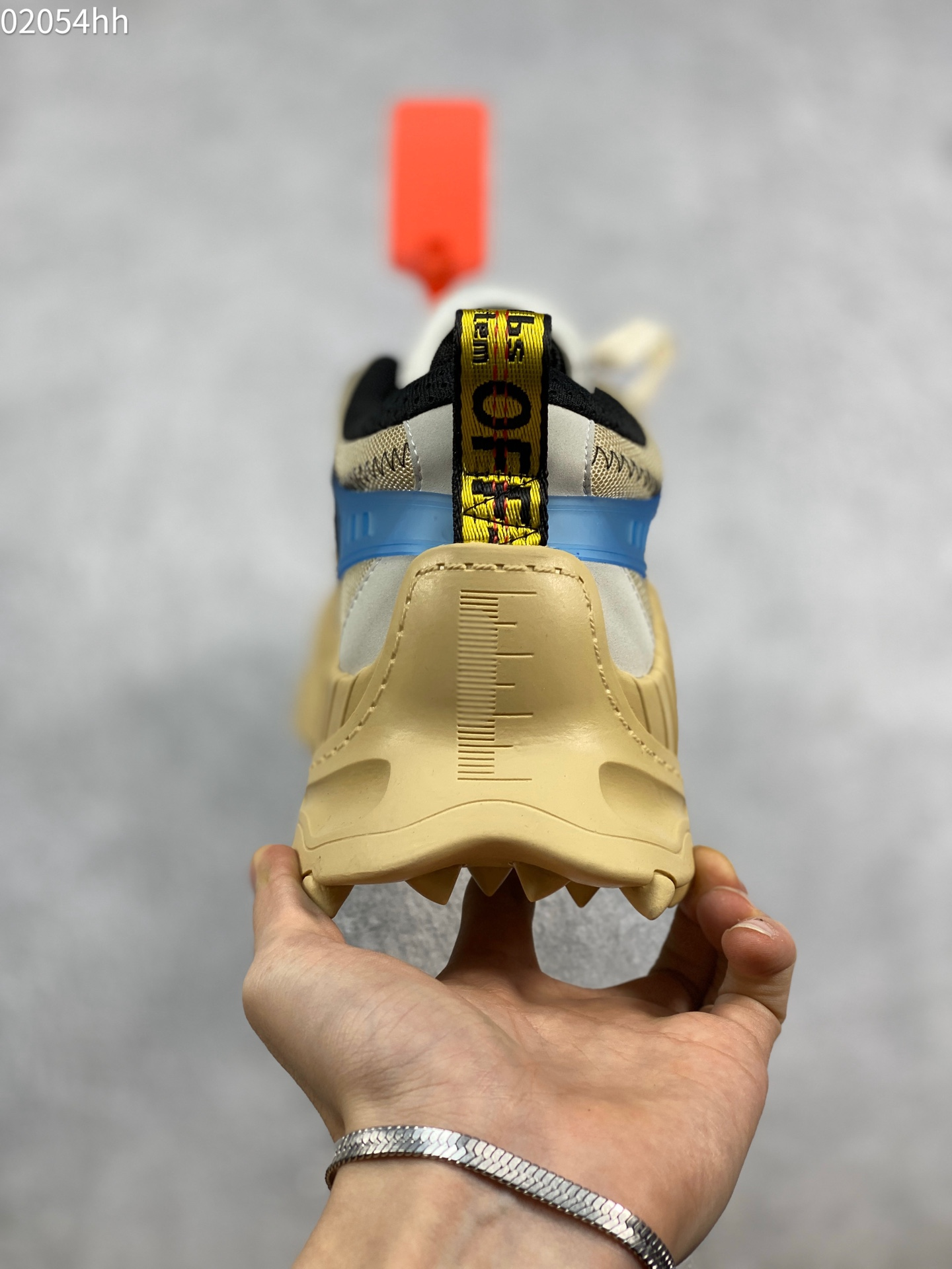 OFF-WHITE c/o ODSY-1000 Sneakers ow