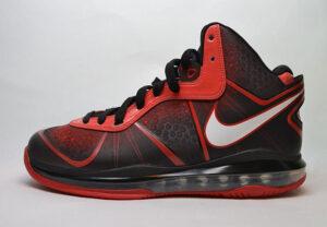 Nike LeBron VIII (2010-11)