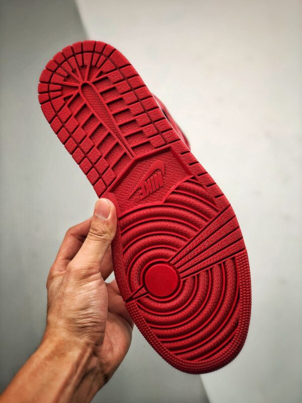 Nike Air Jordan 1 Mid Chicago